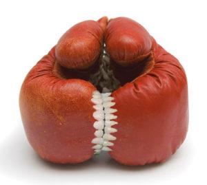 Guantoni da boxe dentati